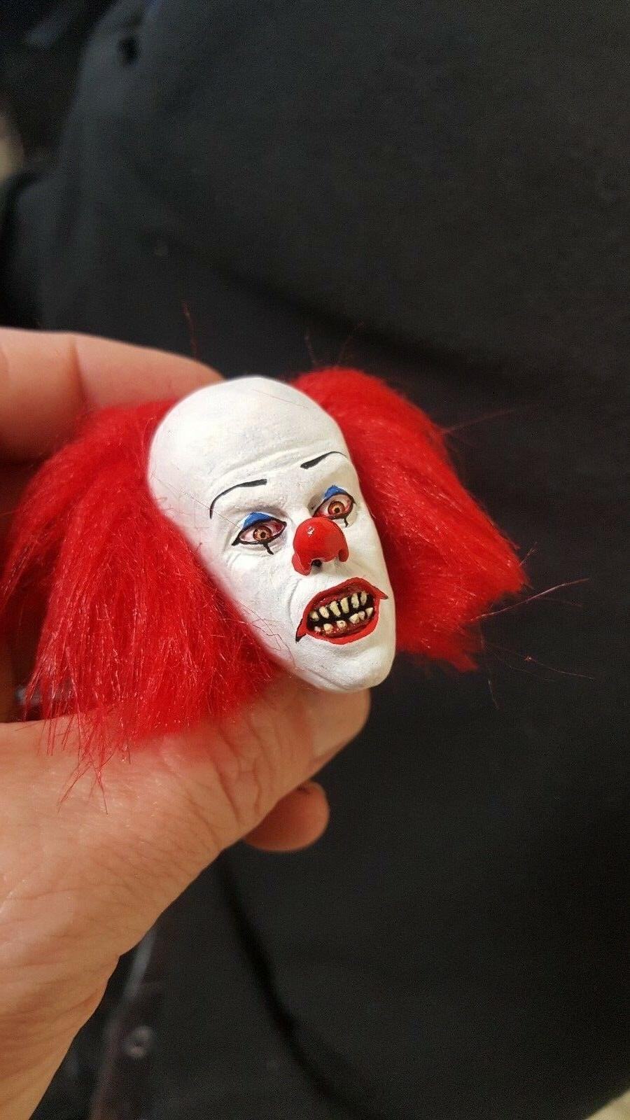 Tim Pennywise the clown it head for inch